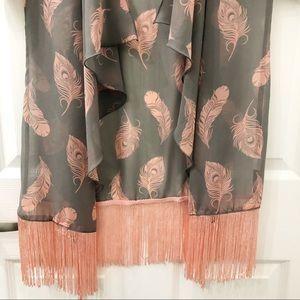 LuLaRoe Sweaters - NWT LulaRoe beautiful kimono size Small